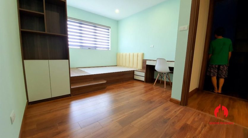 lake view apartment for rent near starlake 5