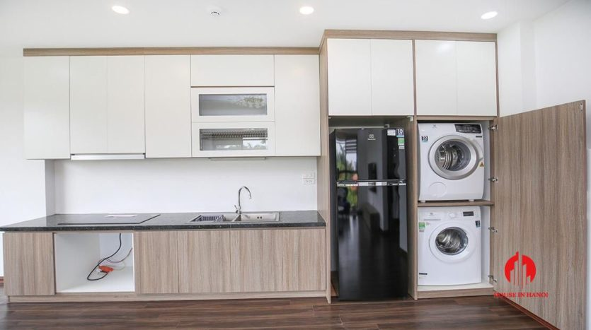 light filled apartment for rent on au co 1