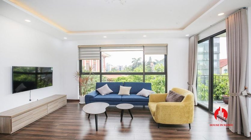 light filled apartment for rent on au co 12