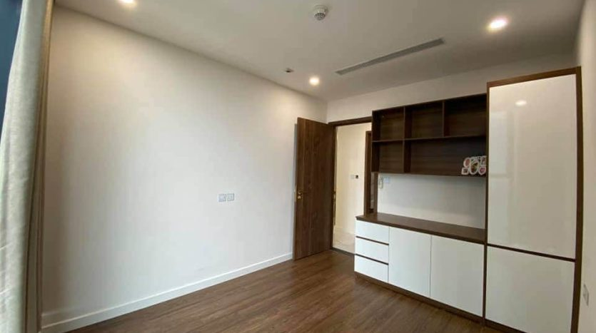 lovely apartment for rent in S2 tower sunshine city 9