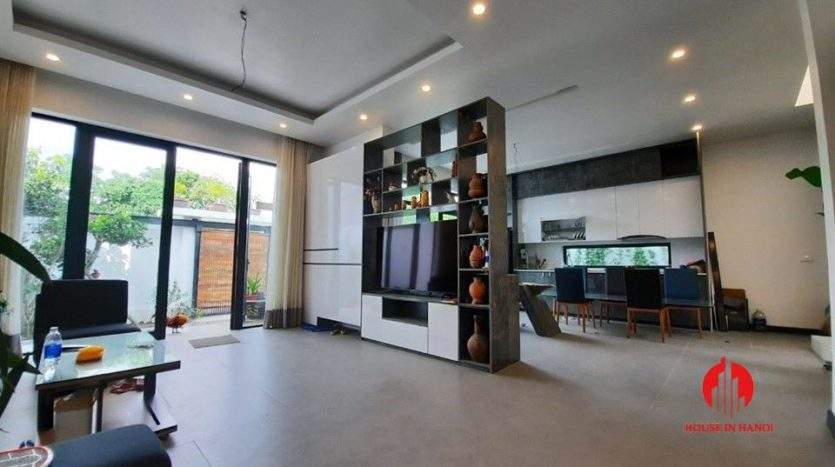 modish house for rent in Tay Ho 12