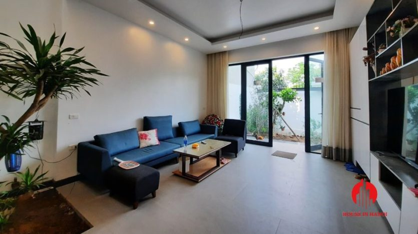modish house for rent in Tay Ho 7