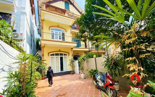rustic house for rent on to ngoc van 1