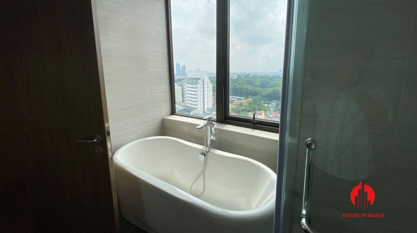 185m2 apartment for rent in sun grand thuy khue 10