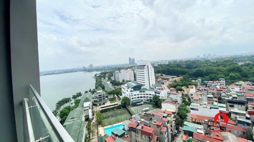 185m2 apartment for rent in sun grand thuy khue 12