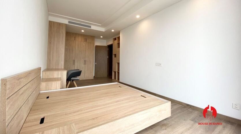 185m2 apartment for rent in sun grand thuy khue 21