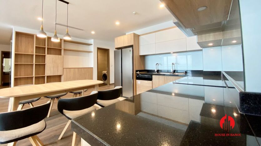 185m2 apartment for rent in sun grand thuy khue 26