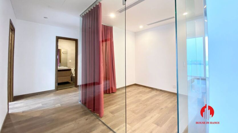 185m2 apartment for rent in sun grand thuy khue 7
