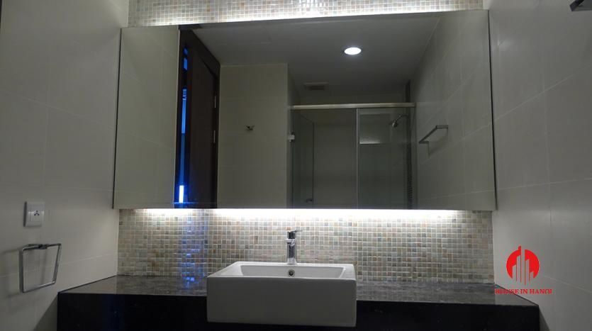 2 bedroom apartment in hoang thanh tower 18