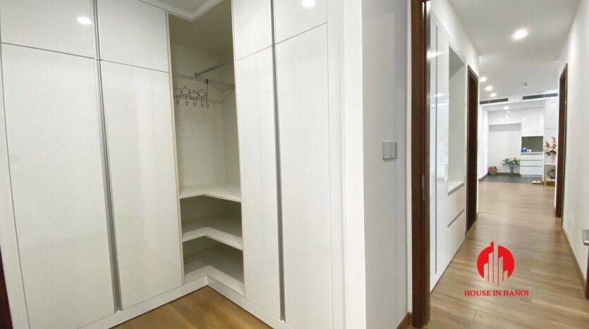 3 bedroom apartment for rent in 6th element 6