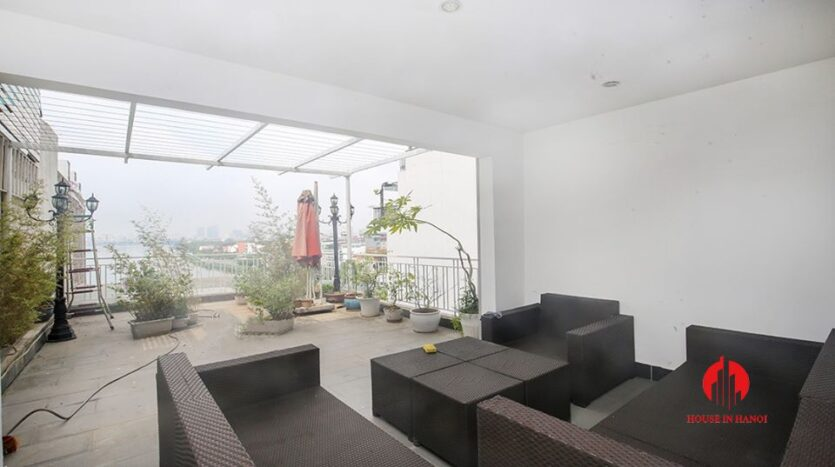 big balcony apartment for rent in tay ho 1