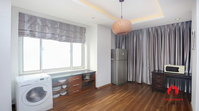big balcony apartment for rent in tay ho 4