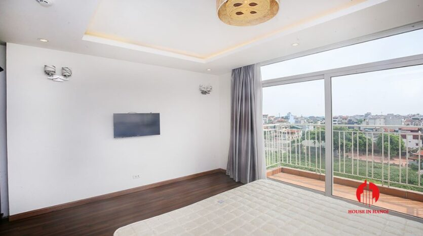 big balcony apartment for rent in tay ho 6