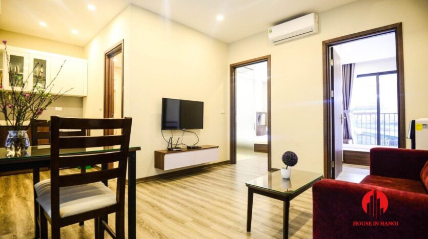 cheap 2 bedroom apartment for rent on nhat chieu 4