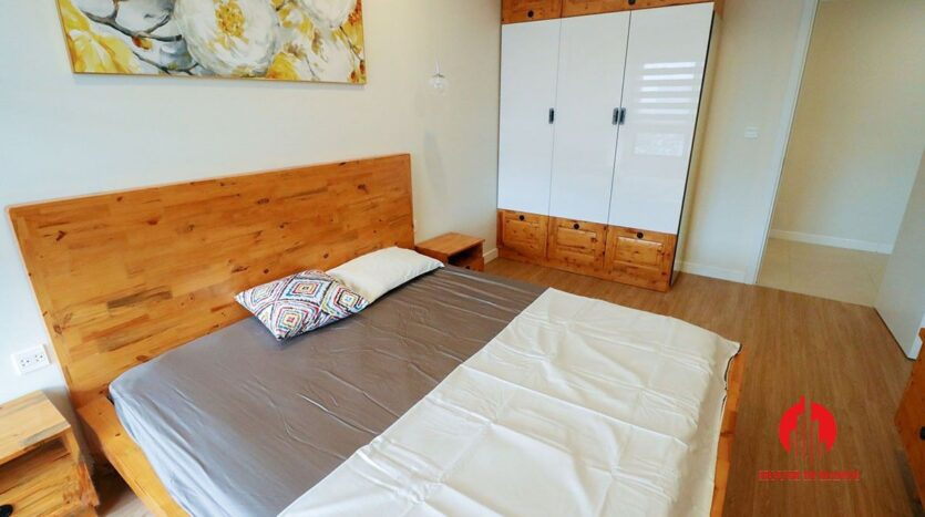 comfortable 3 bed apartment in kosmo tay ho 11