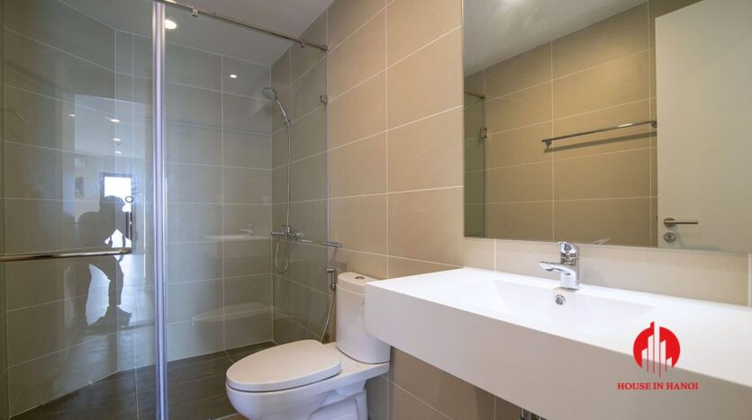 comfortable 3 bed apartment in kosmo tay ho 15