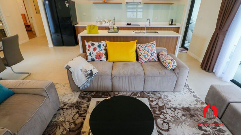 comfortable 3 bed apartment in kosmo tay ho