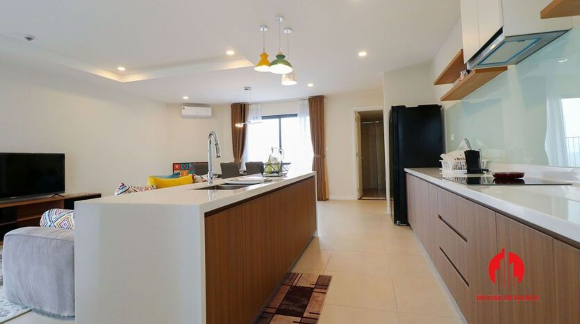 comfortable 3 bed apartment in kosmo tay ho 9