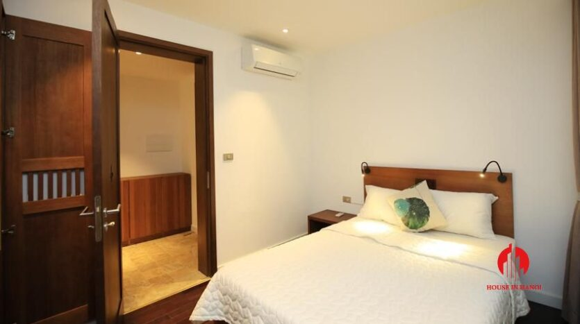 high standard 2BR apartment in tay ho 10