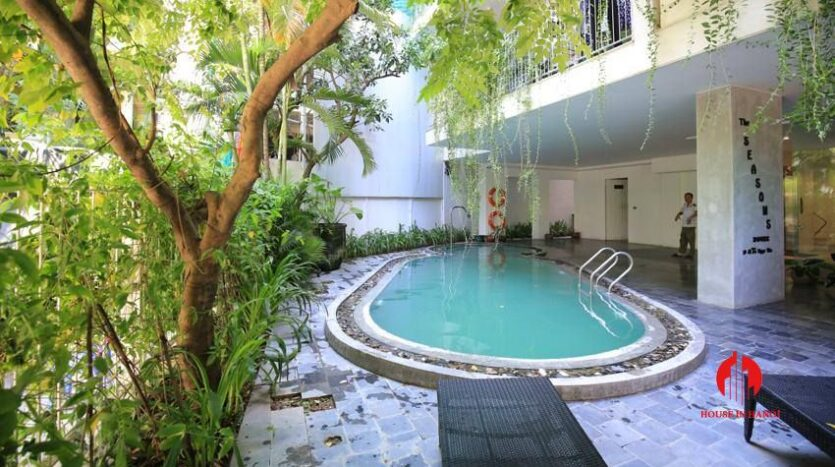 high standard 2BR apartment in tay ho 14