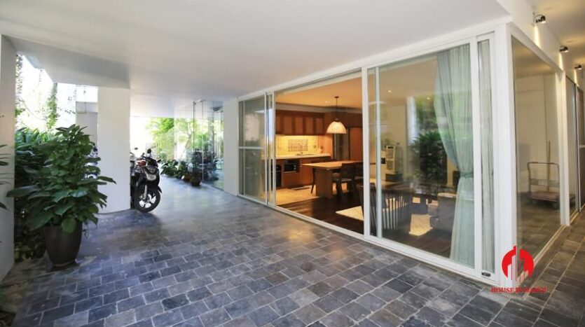 high standard 2BR apartment in tay ho 16