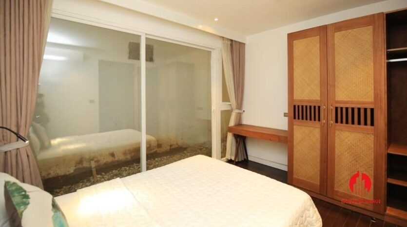 high standard 2BR apartment in tay ho 8