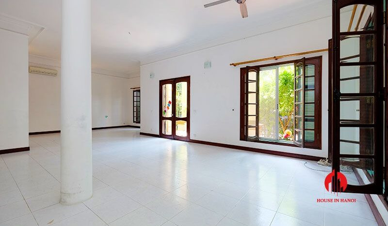 lake side villa for rent in xom chua tay ho 20