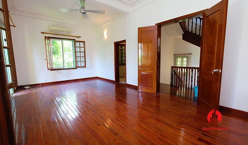 lake side villa for rent in xom chua tay ho 26