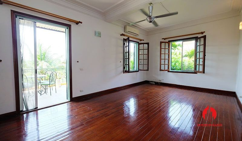 lake side villa for rent in xom chua tay ho 27