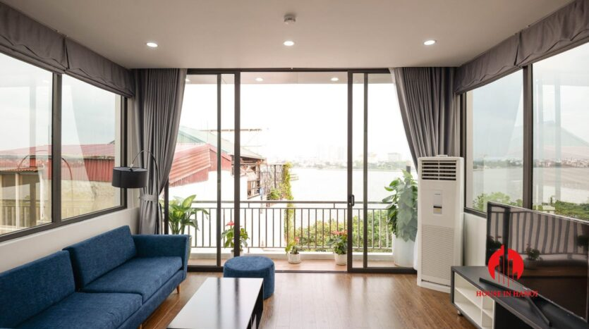 lake view 1 bedroom apartment for rent on nhat chieu 10