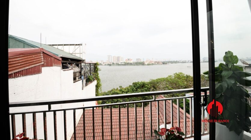lake view 1 bedroom apartment for rent on nhat chieu 12