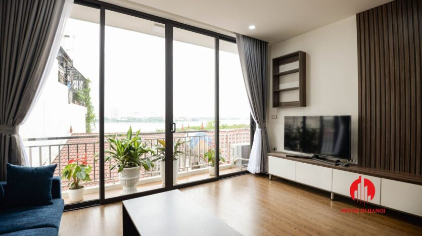 lake view 1 bedroom apartment for rent on nhat chieu 3