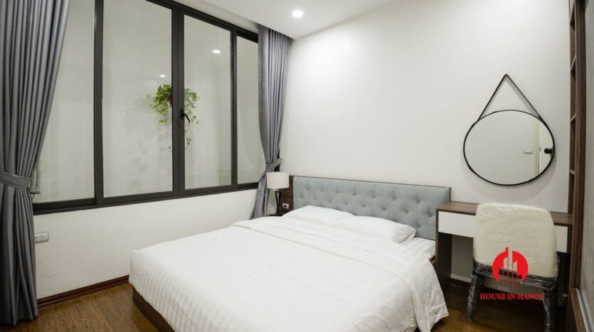 lake view 1 bedroom apartment for rent on nhat chieu 5