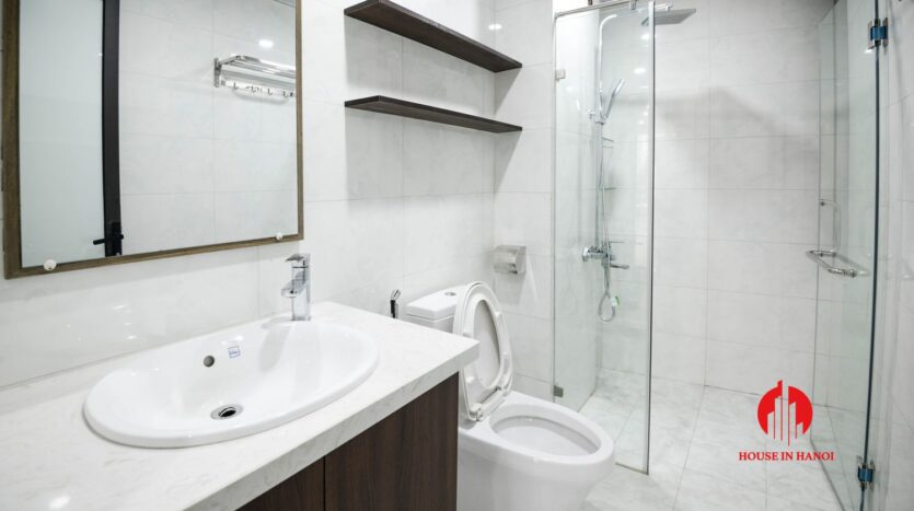 lake view 1 bedroom apartment for rent on nhat chieu 8