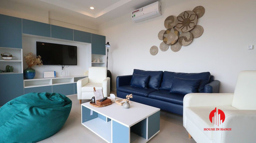 low price lake view 3BR apartment for rent in Kosmo Tay Ho 17