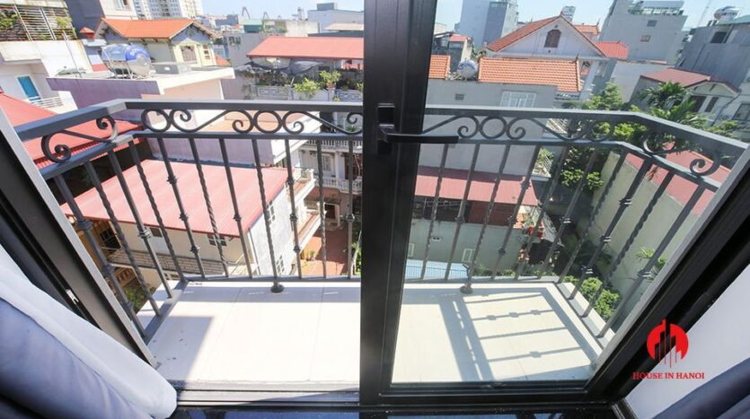 new 1 bedroom apartment on trinh cong son 10