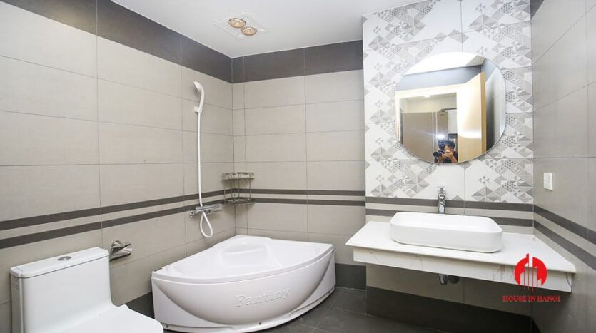 new 1 bedroom apartment on trinh cong son 6