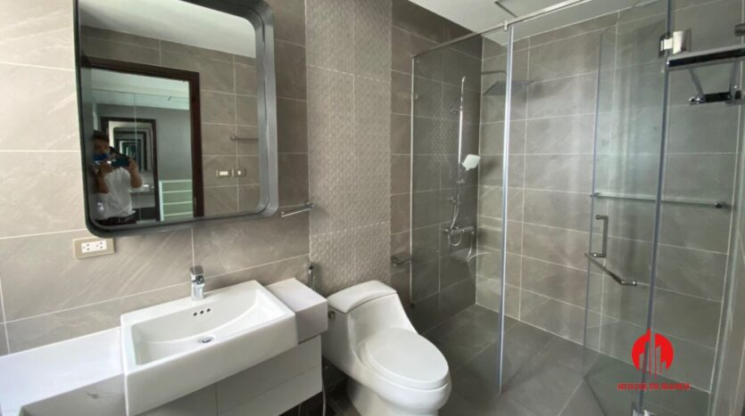 nice penthouse for rent in ngoai giao doan 8