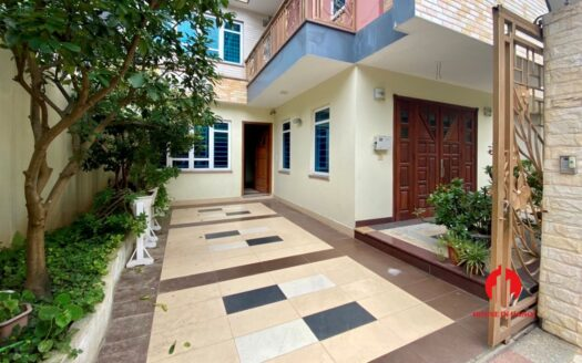 semi furnished villa for rent in vuon dao 15