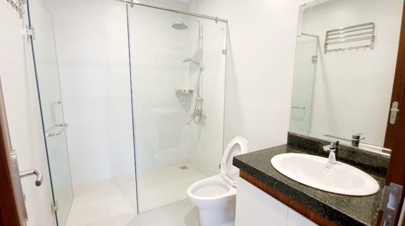 3 bedroom apartment for rent on tu hoa 13
