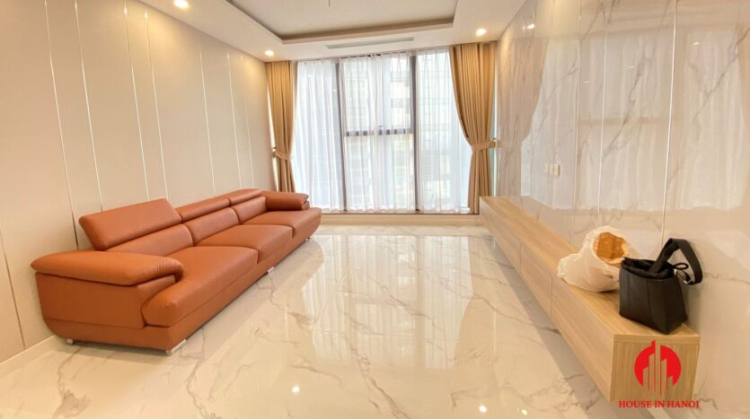 3 bedroom apartment in sunshine city with large living room 2