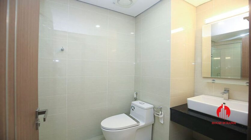 Cheap 90m2 apartment for rent in Ciputra L3 Tower 15