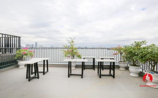Lake View Apartment With Big Balcony in Yen Phu 1