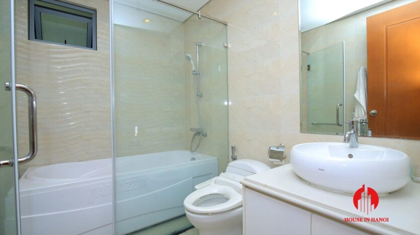 apartment for rent in vinhomes nguyen chi thanh 9