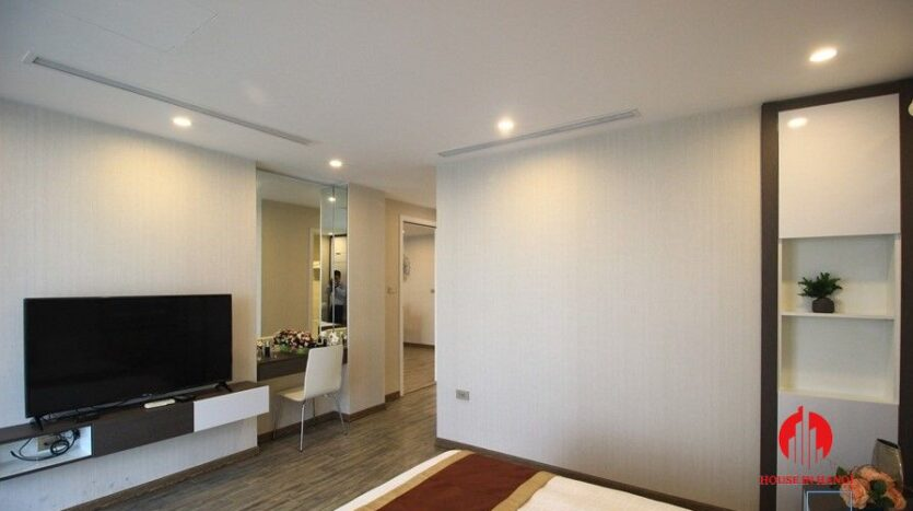 apartment for rent on nguyen dinh thi 9