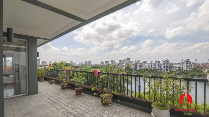 big balcony 4 bedroom apartment with lake view tay ho 7