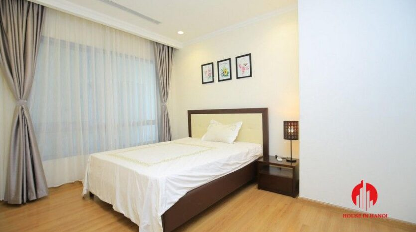 big balcony apartment for rent in vinhomes nguyen chi thanh 20