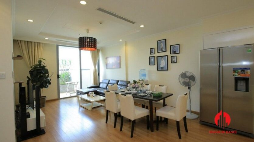 big balcony apartment for rent in vinhomes nguyen chi thanh 3