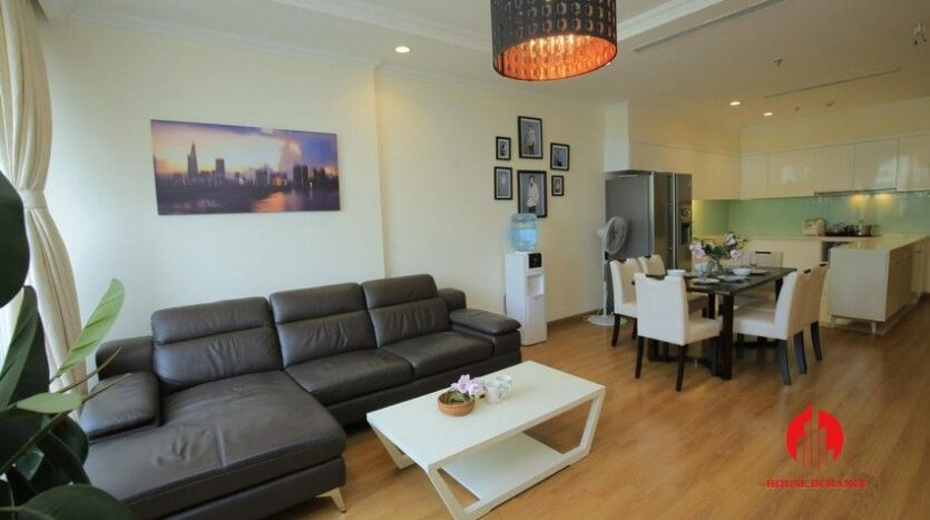 big balcony apartment for rent in vinhomes nguyen chi thanh 6