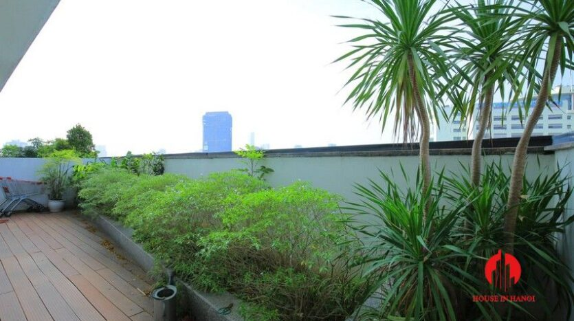 big balcony apartment for rent in vinhomes nguyen chi thanh 7